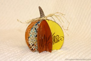 Easy to make paper pumpkin craft for fall and Thanksgiving. (With directions!)